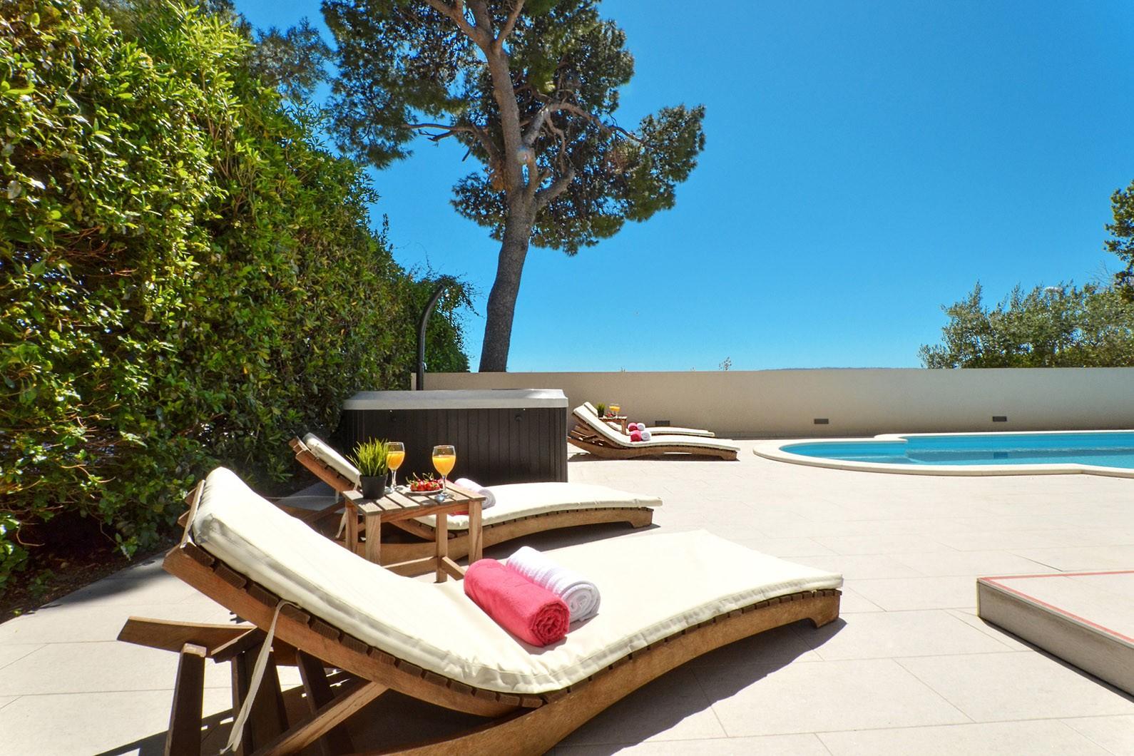 Luxury Apartment near Split, Vacation Rental Croatia